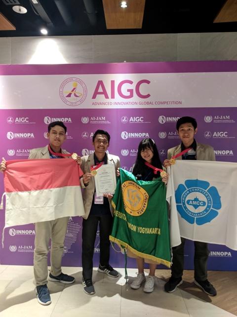 Tim AMCC Universitas Amikom Yogyakarta Raih Medali Emas Pada Kompetisi Inovasi Teknologi Tingkat Internasional di Singapore